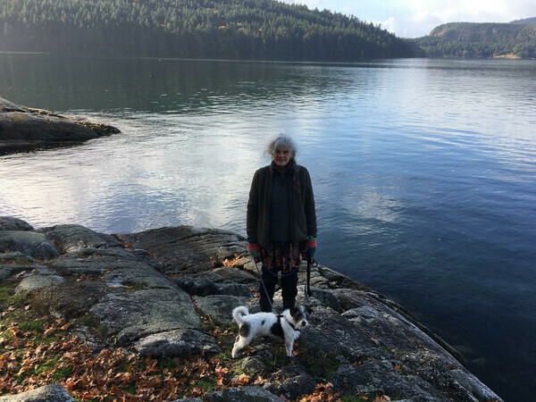 Joanna Rogers with Zeb Jack Russell at Burgoyne Bay